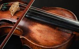 Primo piano dello strumento del violino Arte di musica classica Immagini Stock