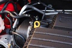 Primo piano, dettagli di nuovo motore di automobile, il concetto di preoccuparsi f immagini stock libere da diritti