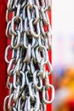 Primo piano dettagliato, lotto delle catene d'argento Immagine Stock Libera da Diritti