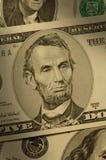 Primo piano di Abraham Lincoln sulla fattura $5 Immagini Stock