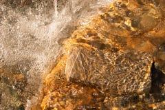 Primo piano di acqua commovente Immagini Stock Libere da Diritti