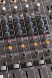Audio manopole del miscelatore Immagini Stock Libere da Diritti