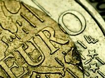Primo piano di estremo della moneta dell'euro 2 Immagini Stock