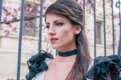 Primo piano di giovane donna attraente Fotografie Stock Libere da Diritti