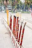 Primo piano di grande incenso e bruciaprofumi in Po Lin Monastery fotografie stock libere da diritti