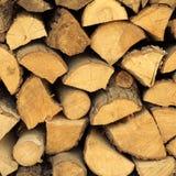 Primo piano di legna da ardere come struttura del fondo fotografia stock