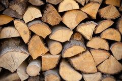 Primo piano di legna da ardere come struttura del fondo immagine stock