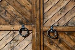 Primo piano di legno del portone Fotografia Stock Libera da Diritti