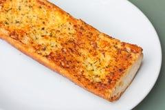 Primo piano di pane all'aglio croccante Immagini Stock