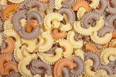 Primo piano di pasta italiana cruda - penne Immagini Stock