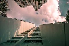Primo piano di prospettiva dell'appartamento residenziale pubblico dell'alloggio di Singapore in Senja Immagine Stock Libera da Diritti