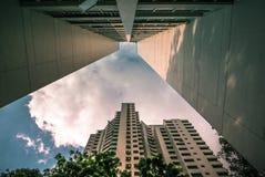 Primo piano di prospettiva dell'appartamento residenziale pubblico dell'alloggio di Singapore in Senja Immagine Stock