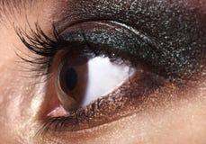 Primo piano di trucco dell'occhio. Immagini Stock
