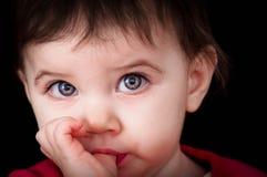Primo piano di un bambino fotografie stock