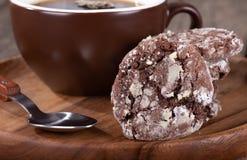 Primo piano di un biscotto delizioso del fondente di cioccolato fotografia stock libera da diritti
