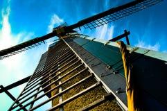Primo piano di un mulino a vento antiquato Fotografie Stock Libere da Diritti