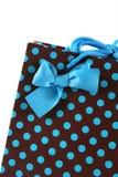 Primo piano di un sacchetto del regalo. Immagini Stock