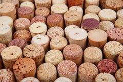 Primo piano di una parete dei sugheri usati del vino Fotografia Stock