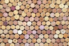 Primo piano di una parete dei sugheri usati del vino Fotografie Stock Libere da Diritti