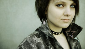 Primo piano di una ragazza punk Fotografia Stock Libera da Diritti
