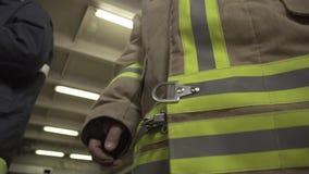 Primo piano di Uniform del pompiere archivi video