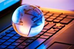 Primo piano di vetro del globo Immagini Stock