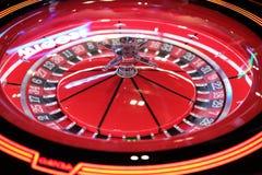 Primo piano elettronico della ruota di filatura delle roulette del casinò Immagine Stock