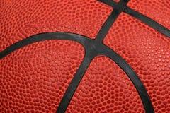 Primo piano estremo di una pallacanestro Fotografia Stock