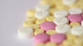 Primo piano medico di giro delle pillole archivi video