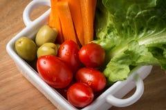 Primo piano misto dell'insalata delle verdure fotografia stock