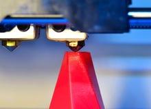 Primo piano moderno di stampa della stampante 3D Fotografia Stock Libera da Diritti