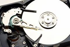 Primo piano smontato drive del hard disk di sata del computer Immagini Stock Libere da Diritti