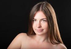 Primo piano sparato della ragazza felice attraente Fotografia Stock Libera da Diritti