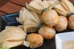 Primo piano, stile tailandese dell'alimento: & x22; Borsa dei soldi o borsa di gold& x22; immagine stock libera da diritti