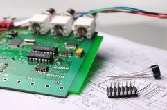 Primo piano su un microchip Immagini Stock