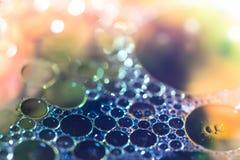 Primo piano variopinto della bolla di sapone macro fotografia stock libera da diritti
