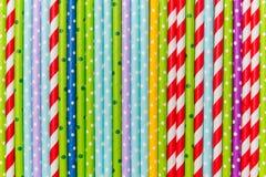 Primo piano variopinto di bugia dei tubi del cocktail Immagine di vista superiore Fotografia Stock Libera da Diritti