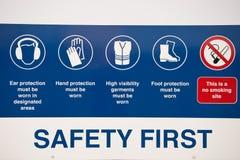 Primo segno di sicurezza Fotografie Stock Libere da Diritti