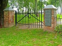 Primorsk Ryssland Port av den tyska militära kyrkogården av världskrig II Ryssen, tysk text - den tyska militära kyrkogården Fi Royaltyfria Bilder
