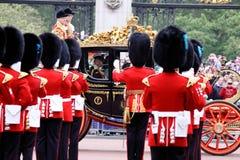 Prince Charles et Camilla au mariage royal 2011 Image libre de droits
