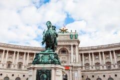 Prince Eugene de statue et palais de Burg de Neue, Vienne images libres de droits