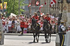 Prince William et Kate, jour du Canada d'escorte de RCMP Images stock