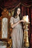 Princesa ao lado do trono Fotos de Stock
