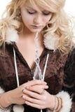 Princesa do gelo que sonha prendendo uma varinha do sincelo Fotografia de Stock Royalty Free