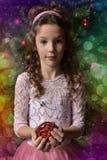 Princesa em um vestido cor-de-rosa festivo com bordado e flores Imagens de Stock