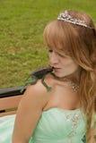 Princesa sorprendida y la rana Foto de archivo