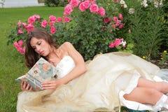 книга цветет princess руки стоковые изображения