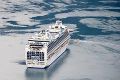 Princesse héritière de bateau de croisière dans le fjord, Geiranger (Norvège) Photos stock