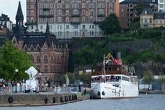 Princesse Madeleine et Chris O'Neill et amies sur le bateau à vapeur Stockholm Image libre de droits