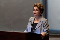 Princeton, NJ, Etats-Unis - 13 avril 2017 - l'ancien Président brésilien Dilma Rousseff photo stock